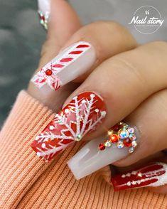 Christmas Nail Art,Nail Art,Nail Designs Matte Nails Glitter, Acrylic Nails, Long Gel Nails, Short Nails, Holiday Nail Art, Christmas Nail Art, Pointed Nails, Different Flowers, Nail Tech