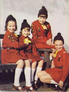 Brownies in the old uniform-I arrived in the changeover from this to 'cullotes' ant yellow t-shirts- yum! 1970s Childhood, My Childhood Memories, Sweet Memories, Brownie Guides, Brownies Girl Guides, Ladybird Books, Thinking Day, 80s Kids, We Are The World