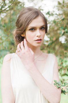 Wedding Makeup | Fine Art Wedding Inspiration from London | Emma Pilkington Photography | The Wedding Stylist | Bridal Musings Wedding Blog 26