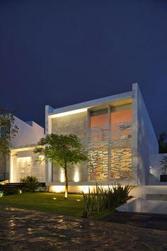 Casa Natalia by AgrazArquitectos