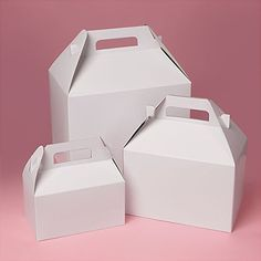 Need kraft & white gable boxes? Paper Mart offers a wide selection of kraft & white gable boxes to suite your needs. Wedding Welcome Baskets, Picnic Box, Wholesale Packaging Supplies, Gable Boxes, Store Supply, Favor Boxes, Gift Boxes, Wedding Favor Bags, Party In A Box