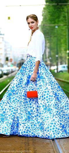 #Modest doesn't mean frumpy. #DressingWithDignity www.ColleenHammond.com  | Chiara Ferragni