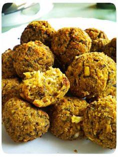 Falafel in forno Falafel Vegan, Baked Falafel, Tapas, Vegetarian Recipes, Healthy Recipes, Good Food, Yummy Food, Happy Foods, Vegan Baking