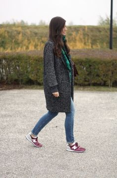 ★how2wear a grey knee coat★ with green scarf and purple shoes  \\ @dressmeSue pins real good outfits