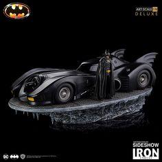 Batman & Batmobile Deluxe Art Scale Statue by Iron Studios Marvel Dc, Predator Comics, Dc Comics, Batman Collectibles, In The Pale Moonlight, Batman Wallpaper, Batman Artwork, Batman Batmobile, Batman Figures