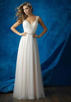 This A-line beauty is classic, with a dash of bohemian glamour.