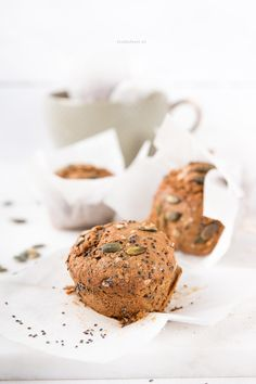 Ontbijt muffins met spelt, havermout, chia zaadjes en pompoenpitten - Foodie Feest