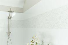 Oversized Double Shower #doubleshower #double #shower #bench #texturedwall #tiles #doubleshowerhead #window #lighting #towel #plant #greenery #floorpattern #pitchedceiling #chandelier #glass #halfwall #arearug #vanity #storage #sink #decor #mirror #boarder #wood #baskets #whiteandbeige  #saralynnbrennan #interiors #saralynnbrennaninteriors #interiordesign #waxhaw #waxhawinteriordesign #charlotte #charlottedesign #charlotteinteriordesign #currentdesignsituation Double Shower Heads, Transitional Bathroom, Interior Decorating, Interior Design, Floor Patterns, Bathroom Layout, Bath Ideas, Cozy House, Master Bath