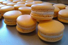 Caramelized ganache macaroons with salted butter - Cooking Ganache Caramel, Macaron Caramel, Cooking Chef Gourmet, Cooking Icon, Macarons, Macaron Cookies, Salted Butter, Cooking For One, Recipes