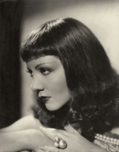 Claudette Colbert, Cleopatra (1934); photo by Otto Dyar