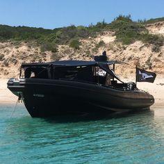 Mini Yacht, Yacht Boat, Tug Boats, Lake Boats, Pontoon Boats, Extreme Boats, Float Life, Boat Pics, Power Boats