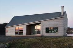 moderne hytte med skråtak skrått tak - Skaara Arkitekter AS