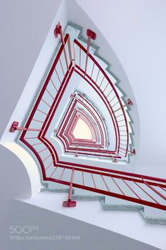 Red and white staircase Beautiful Architecture, Beautiful Buildings, Art And Architecture, Architecture Details, White Staircase, Grand Staircase, Staircase Design, Winding Stair, Beautiful Stairs