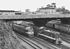 Southern Railway switcher passes waiting Seaboard Air Line Railroad eastbound Silver Comet passenger train at Atlanta, Georgia, in October Photograph by J. Parker Lamb, © Center for Railroad Photography and Art. Georgia Usa, Atlanta Georgia, Railroad History, Southern Railways, Railroad Photography, Norfolk Southern, Train Art, Covered Wagon, Old Trains