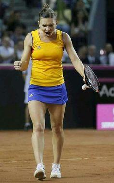 Tennis Outfits, Tennis Clothes, Wimbledon, Tennis Live, Simona Halep, Latina Girls, Tennis Players Female, Sports Celebrities, Rosamund Pike