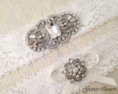 15% OFF Art Deco Off White Lace Garter and Haircomb by GarterQueen