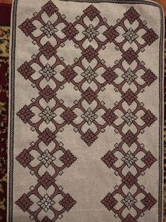 Cross Stitch Embroidery, Bohemian Rug, Rugs, Crochet, Tools, Counted Cross Stitches, Dish Towels, Punto De Cruz, Dots