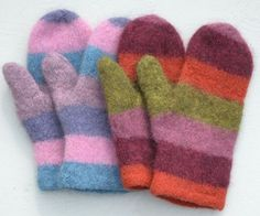 Ravelry: Felted stripy mittens/Filtade randiga vantar pattern by Eva Trotzig Crochet Mittens, Fingerless Mittens, Knitted Gloves, Knit Crochet, Wrist Warmers, Hand Warmers, Knitting Projects, Knitting Patterns, Wool Embroidery