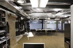 Future Lab, Kuoni Headquarters, Zurich - design by Dreimeta.  ::: Exposed ceiling, office, workstation, creative chaos