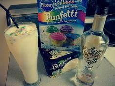 Funfetti cake batter alcoholic milkshake: funfetti cake batter mix, vanilla ice cream, and Smirnoff iced cake. My Birthday drink! Party Drinks, Cocktail Drinks, Fun Drinks, Yummy Drinks, Beverages, Yummy Food, Cake Vodka Drinks, Cake Vodka Recipes, Birthday Drinks