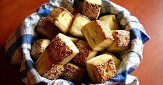 Még szombaton készült ez a finom pogácsa, melyhez az ihletet Gondaanyu , valamint egy csokor bazsalikom és snidling adta :-) A bazsa...