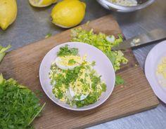 Les œufs mimosa de CheZaline, par Delphine Zampetti. Publié par NATURALIA. Retrouvez toutes ses recettes sur youmiam.com.