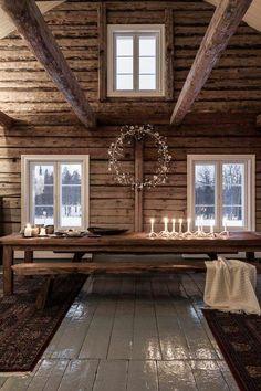 🌟Tante S!fr@ loves this📌🌟Ambiance cosy au sein d'un chalet en bois authentique Decor, House Design, House, Home, Cabin Decor, Cabins And Cottages, Cabin Interiors, House Interior, Rustic House