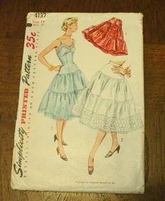 Simplicity 4137 1950s 50s Crinoline Slip Full by EleanorMeriwether, $14.00