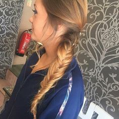 Hair today at Pout! 🔮💋💁 #ombre #fishtail #hairdresser #hairfashion #hairstyle #hairgoals #hairofinstagram #amazing #hairdye #haircolor #magic #beautiful #inlove #hairoftheday #hairsalon #hairlife #colors #galaxy #goals #northernireland #lisburn #cosmichair