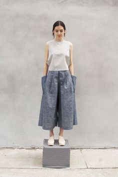 Same fit as our classic Open Back Shirt but cropped at the waist to work with high waisted pants Fashion Pants, Hijab Fashion, Boho Fashion, Fashion Outfits, Fashion Design, Slow Fashion, Ethical Fashion, Open Back Shirt, Garment Manufacturing