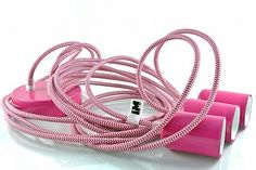 Lampy loft kolorowe kable w oplocie pink http://www.sklep.imindesign.pl/product/kolorowe-kable-w-oplocie-zebra-pink-white-3-x-2-5m