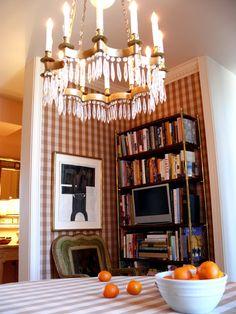 Jeffrey Bilhuber - what a beautiful chandelier!