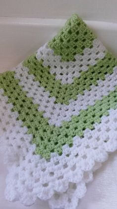 Check out this item in my Etsy shop https://www.etsy.com/listing/228196480/handcrafted-lime-and-white-crochet-car