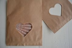 Sale : Last Bundle of 50 Small Kraft paper bags with a heart window with cellophane bag --- Party favors, give away's or wedding favor door SierGoed op Etsy