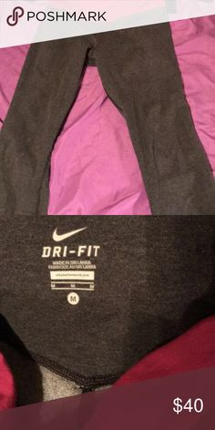 nike crop tights fights right under your knees, comfy and cute Nike Pants Leggings