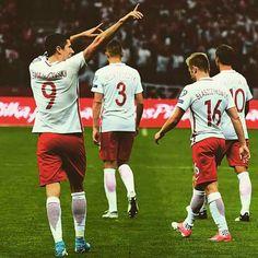 Football Team, Dna, Polish, Sports, Bavaria, Hs Sports, Vitreous Enamel, Football Squads, Nail Polish