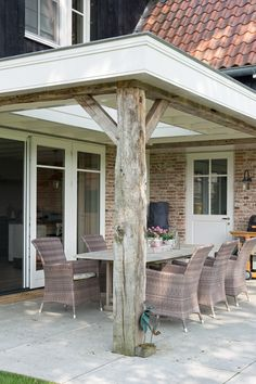 Outdoor Rooms Building Design Architectuur Bookcases and storage systems Article Body: A quality boo Outdoor Garden Furniture, Outdoor Rooms, Outdoor Living, Outdoor Decor, Patio Railing, Garden Studio, Outdoor Projects, Building Design, Backyard