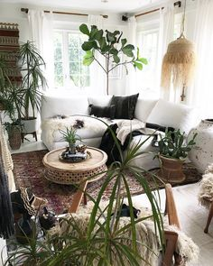 """3,580 Likes, 88 Comments - Fleamarketfab™️️ (@fleamarketfab) on Instagram: """"Yep!!!! White floors rule my world, face, life, etc!!!! But get a look see at those stunning pieces…"""""""