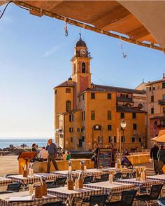 Camogli, Ligurië. Most beautiful little towns in Italy.