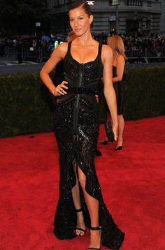 Gisele Bünchen de Givenchy en la Gala del MET 2012