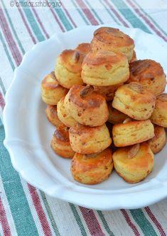 Feta sajtos-mandulás pogácsa