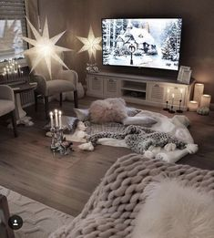 Actually, white is not really my color, at least not dominant in the living area, but here it fits very well. The white Shabby-Lowboard, … - Decoration For Home Shabby Chic Living Room, Cozy Living Rooms, Apartment Living, Living Area, Living Room Decor, Style At Home, Salons Cosy, Christmas Living Rooms, Interior Exterior