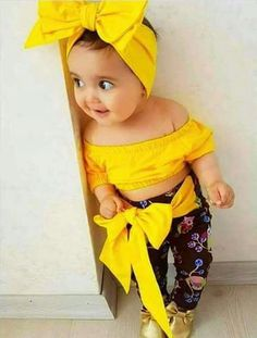 In this video, we will show you beautiful stylish kids outfit ideas, baby girls dress designs, cute Kids Style & more. Find out the perfect outfits for your . So Cute Baby, Cute Baby Girl Pictures, Baby Kind, Cute Baby Clothes, Cute Kids, Funny Baby Photos, Cute Little Baby Girl, Fashion Kids, Baby Girl Fashion