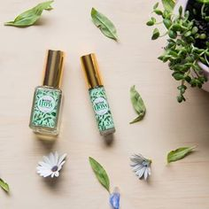F L O W - What we all need on Monday mornings. Today is the moon's day, so it is normal to feel lethargic or emotional today. If you're not a fan of Monday's, it may be useful to use this pick-me-up blend of essential oils, created specifically to inspire and invigorate your senses. Giving you that perk and concentration you need to flow through the work week 🌿 • #essentialoils #naturopathy #naturopathicblends #aromatherapy #mamanature #flowers #mint #energy #vibrations #vibrationaltherapy… Naturopathy, Work Week, Pick Me Up, Monday Morning, Mornings, Aromatherapy, Essential Oils, Mint, Wellness