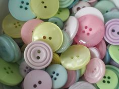 Pastel Pick - Mixed Bag of Pastel Coloured Buttons - 50g