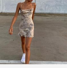Summer Fashion Tips .Summer Fashion Tips Looks Street Style, Looks Style, Mode Outfits, Fashion Outfits, Fashion Tips, Prom Outfits, Fashion Hacks, Fashion Clothes, Sneakers Fashion
