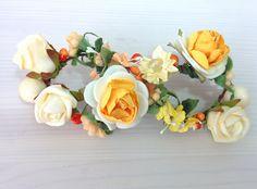 Modelo Laurette (1 disponible)  #lamoradadenoa #totalgold #dorado #rosas #invitada #boda #pasador #flores