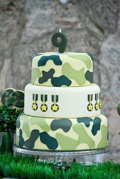 Camouflage cake with Army tank topper Lulubelles Bakes