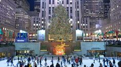 The Best Things to Do in New York City for Christmas| Travelingpanties.com | Must See Fun Places to See NYC Winter Rockefeller Center FAO Schwartz
