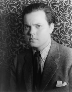Orson Welles - American actor, director, writer and producer who worked in theater, radio and film. Photo by Carl Van Vechten, 1937 Hooray For Hollywood, Hollywood Stars, Classic Hollywood, Old Hollywood, Star Citizen, Cinema Video, Divas, World Radio, Jeanne Moreau